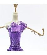 Présentoir pour bracelet poupée robe de soirée violette