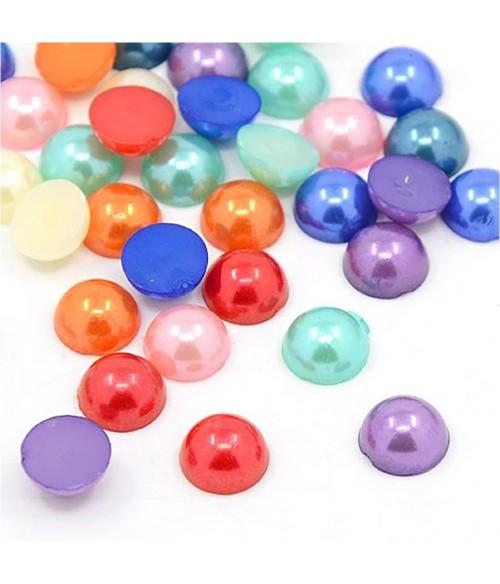 Boite de cabochons colorés et nacrés 10 x 5 mm (272 pièces)
