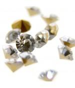 Strass diamant en verre qualité supérieure ( 10 pièces ) ( 4 mm de diamètre )