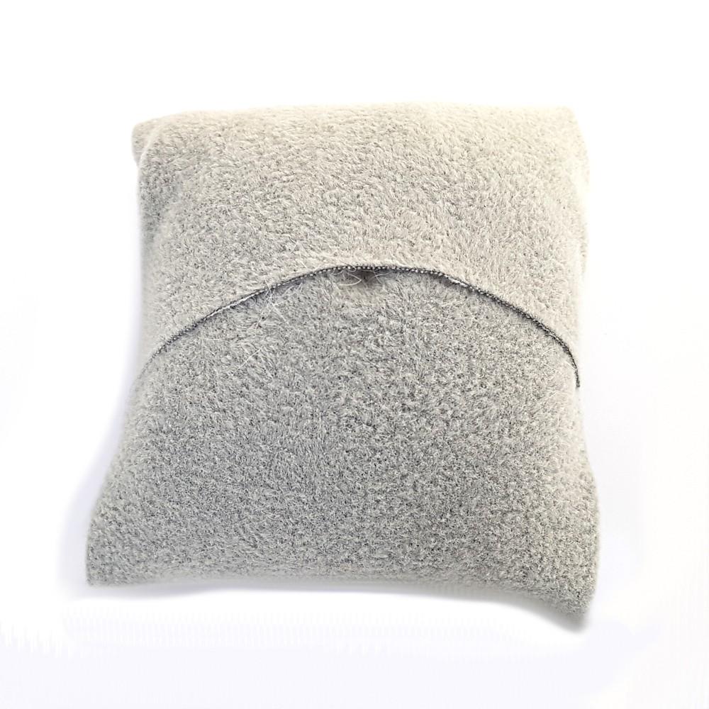 coussin montre et bracelet en velours 8 x 7 cm. Black Bedroom Furniture Sets. Home Design Ideas